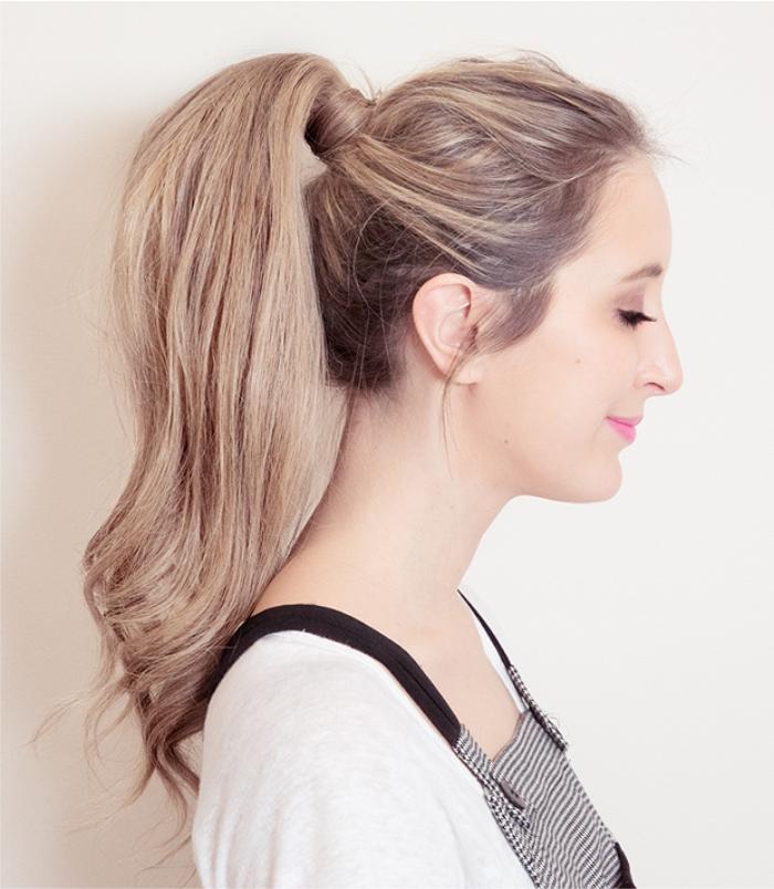 Rabo de cavalo.  O que seu cabelo diz sobre sua personalidade? Artigo da Grandha sobre como o cabelo influencia impressões.