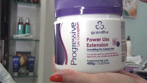 Power Liss Extension é um dos produtos principais para a realização do procedimento de Alisamento Conjugado, da Grandha.