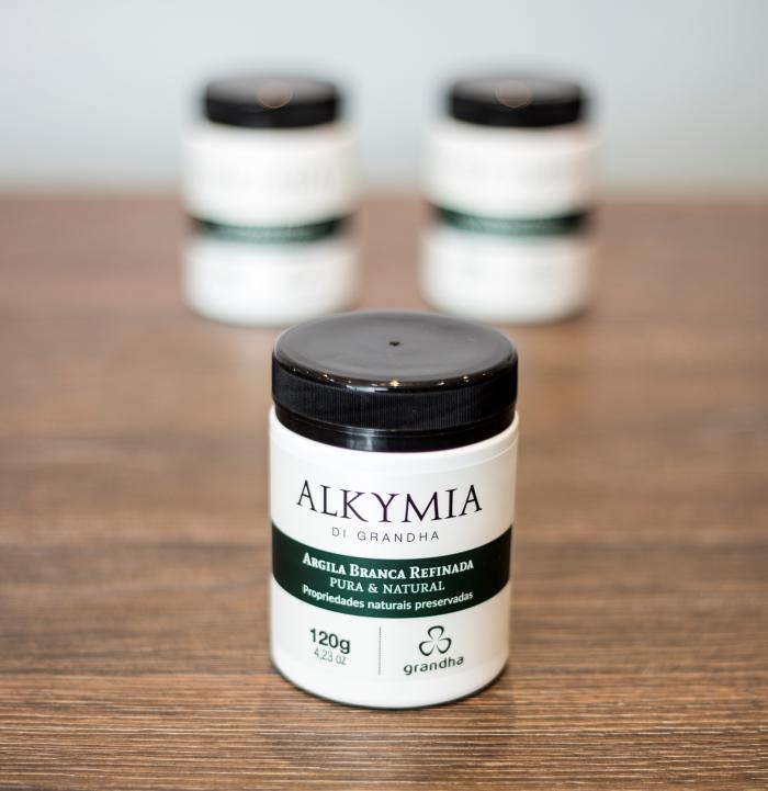 Argila Branca. Conheça os mistérios da linha Alkymia di Grandha, para terapia da pele e do couro cabeludo com argilas terapêuticas.