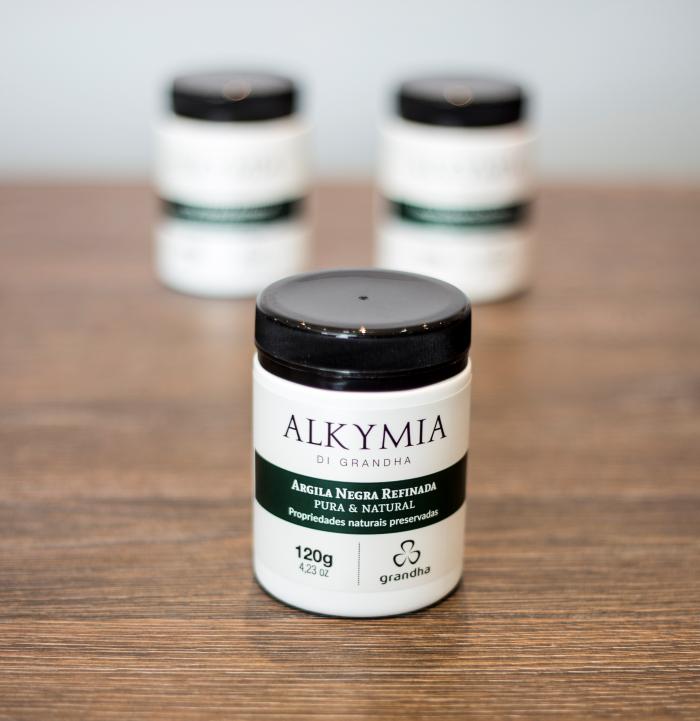 Argila Negra ou Preta. Conheça os mistérios da linha Alkymia di Grandha, para terapia da pele e do couro cabeludo com argilas terapêuticas.