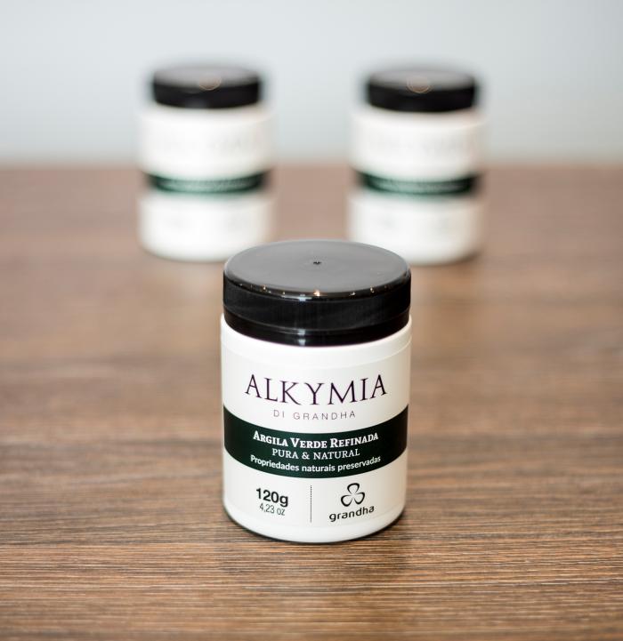 Argila Verde. Conheça os mistérios da linha Alkymia di Grandha, para terapia da pele e do couro cabeludo com argilas terapêuticas.