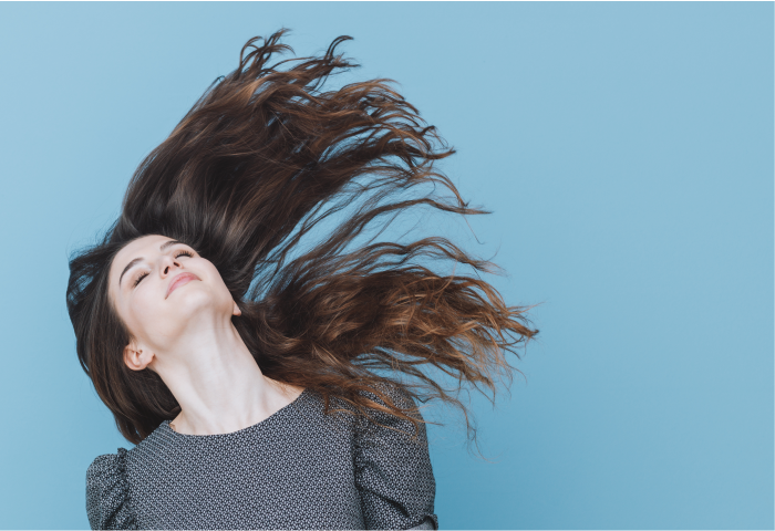 BBtox Absolute Repair faz reposição de massa em cabelos agredidos pela ação da escova progressiva ácida, atuando onde a hidratação não pode.