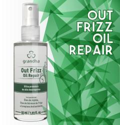 Out Frizz é um finalizador da Grandha para cabelos frisados, com pontas duplas e secas.