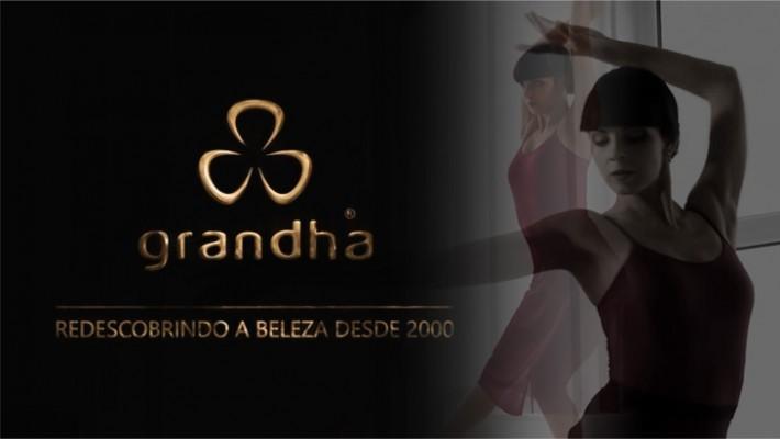 Grandha: Redescobrindo a Beleza Desde 2000. Grandha 20 Anos.