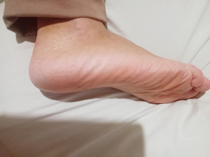 Pé saudável e hidratado após escalda-pés.